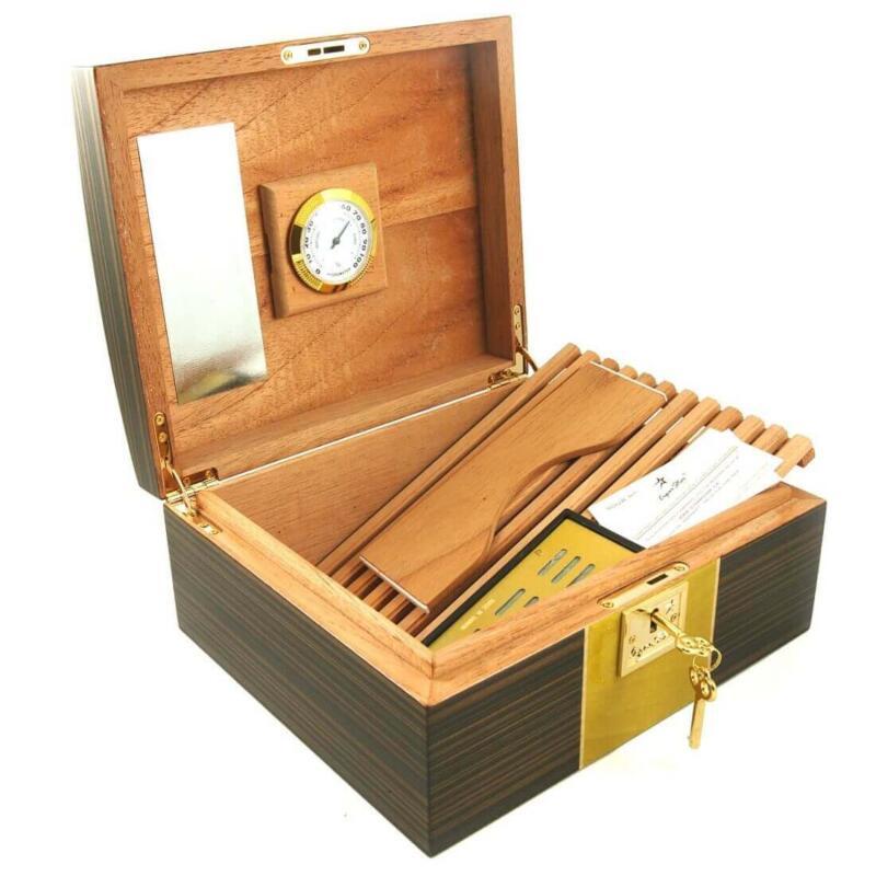 Cigar humidor D9
