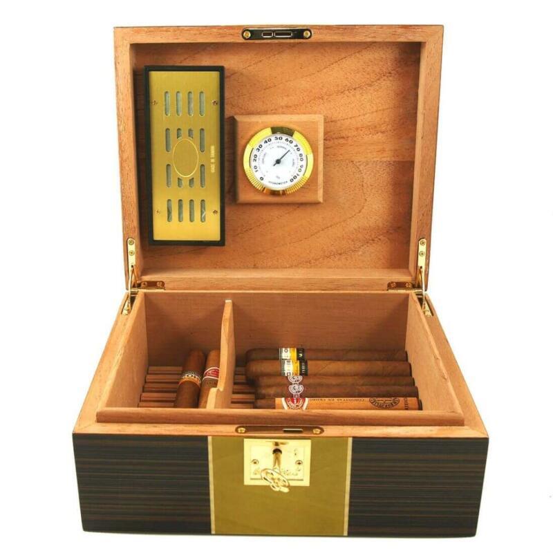 Cigar humidor denine