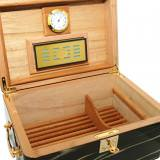 how to choose a cigar humidor