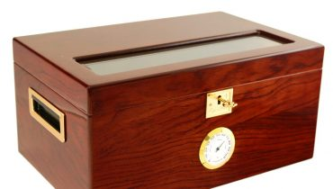 150 Cigar Humidor Lexington  Made using wonderful Bubinga