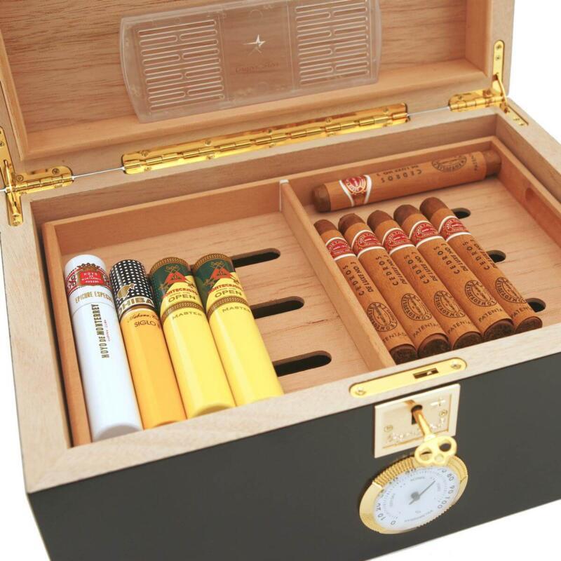 Cigar humidor for 100 cigars
