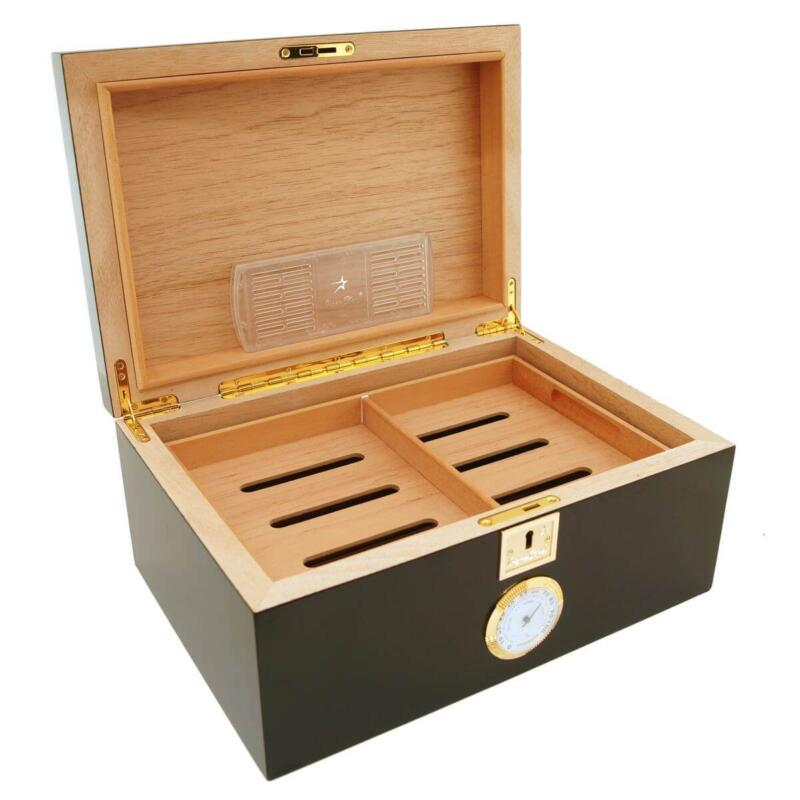 Cigar humidor for 100 cigars